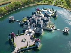 Moated Castle: Miami