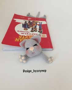Amigurumi English Cat Mug Rug and Cat Bookmark Pattern by Desing_byZeynep Crochet Bookmarks, Crochet Books, Cat Gifts, Cat Lover Gifts, Cat Coasters, Giraffe Crochet, Single Crochet Stitch, Back To School Gifts, Cat Mug
