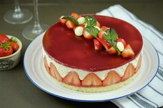 Fraisier | Patisserie Makes Perfect...now realistically I will never make this...but had to pin this true work of dessert art :))