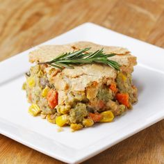 Veggie-Packed Chickpea Pot Pie 36 Insanely Popular Vegetarian Dinners That Are Practical And Easy Vegetarian Dinners, Healthy Meals, Vegetarian Recipes, Healthy Eating, Cooking Recipes, Healthy Recipes, Cooking Tv, Healthy Food, Delicious Recipes