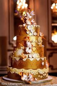 Let Them Eat Cake! The Indian Bride's guide to the most Delectably Dreamy Dessert! Indian Wedding Cakes, Small Wedding Cakes, Wedding Cake Photos, Elegant Wedding Cakes, Chic Wedding, Gold Wedding, Platinum Wedding, Wedding Reception, Dream Wedding