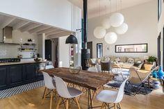 Spacieuse et lumineuse, la pièce à vivre de cette maison en Vendée fait rêver...!