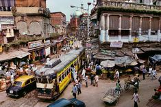 Steve McCurry Studios: in Kolkata, India (Once called Calcutta in the West) Steve Mccurry, Grand Trunk Road, Nepal, Ex Yougoslavie, Vivre A New York, Les Philippines, World Press Photo, Cities, Afghan Girl