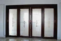 Sticla sablata  Utilizarea sticlei in designul interior se face nu doar cu scop practic, ci si cu scop decorativ. Cea mai utilizata sticla in scopuri decorative este sticla sablata. Daca doriti ca interiorul casei dvs. sau interiorul spatiului unde va desfasurati activitatea sa fie un spatiu cat mai frumos...  http://biz-smart.ro/sticla-sablata/