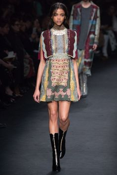 See the complete Valentino Fall 2015 Ready-to-Wear collection.