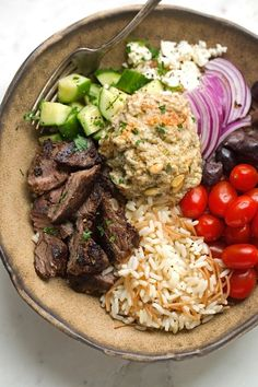 Beef Shawarma with Vermicelli Rice Pilaf - A simple shawarma plate just like you. - Beef Shawarma with Vermicelli Rice Pilaf – A simple shawarma plate just like your favorite restau - Lebanese Recipes, Greek Recipes, Indian Food Recipes, Arabic Recipes, Think Food, I Love Food, Cooking Recipes, Healthy Recipes, Cooking Beef