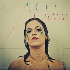 Acabei de usar o Shazam para descobrir Tudo O Que For Leve de Alice Caymmi. http://shz.am/t65100951