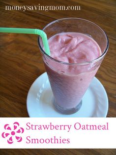 Oatmeal in a smoothie? I promise it's good -- and it makes an ordinary fruit smoothie much heartier! This is a great power breakfast to start the day with! Add some protein powder for a protein Yammy! Smoothie Recipes Oatmeal, Strawberry Oatmeal Smoothie, Smoothie Drinks, Fruit Smoothies, Healthy Smoothies, Healthy Drinks, Healthy Kids, Strawberry Banana, Toddler Smoothies