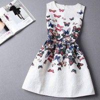 O Vestido Feminino Borboletas é um vestido super delicado e feminino com suas estampas de borboletas!