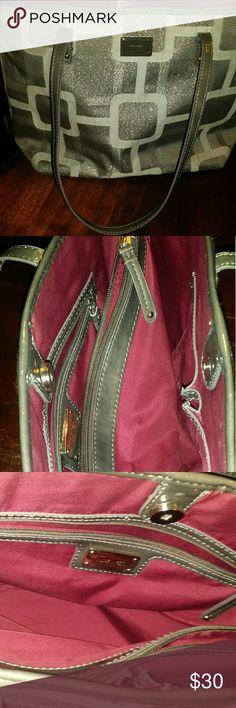 Nine West Nine West like new no Marks size large Bags