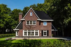 Jaren '30 villa | Van der Padt & Partners | Architecten | Giessenburg Dutch Netherlands, Villa, Where The Heart Is, Holland, Beautiful Homes, Brick, Cabin, Dear Future, House Styles