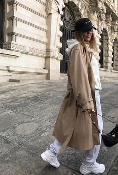 Christmas Outfits : Discover the fashion trends autumn 2019 winter 2020 at zara, mango, asos, ch . Discover the fashion trends autumn 2019 winter 2020 Winter Fashion Outfits, Fall Winter Outfits, Look Fashion, Korean Fashion, Autumn Fashion, Womens Fashion, Grunge Fashion, Fashion Trends, Mode Hipster