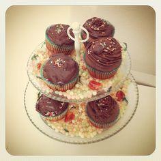 Unsere Einkaufsfee hat Geburtstag lecker #cupcakes :) » @bertinede » Instagram Profile » Followgram