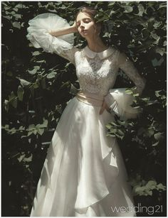 17 Time-Honored Ethereal Wedding Dresses, You can collect images you discovered organize them, add your own ideas to your collections and share with other people. Fotografia Retro, Ethereal Wedding Dress, Contemporary Dresses, Wedding Party Dresses, Victorian Wedding Dresses, Event Dresses, Dresses Dresses, Cinderella Dresses, Dress Indian Style