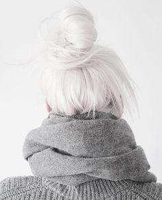 White Hair Dye: How to Dye Your Hair White Blonde – Hair – hair Platinum Blonde Hair, White Blonde Hair, Brown Hair, Silver Platinum Hair, Blonde Dye, Blonde Streaks, Copper Blonde, Light Blonde, Ash Blonde