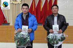 Enjoy this post from Zhuoya Lu, the Fairtrade Liaison Officer in China. Lu attended the 2013 General Assembly of the Jiyuan Huakang Beekeeper Professional Association (JHBPA) and presented a workshop on Fairtrade to the group. Meet Chaogun Cui (left) and Yonghe Wei from JHBPA. In November I joined 242 beekeepers from different regions gathered in Jiyuan, China, for the association's annual general assembly. The chairman of JHBPA presented a report on the past year and the 2014 work plan. It…