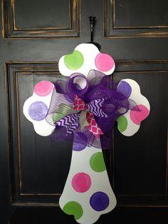 Ideas For Cross Door Hangers Diy Polka Dots Hand Painted Crosses, Wooden Crosses, Cross Door Hangers, Burlap Door Hangers, Arte Country, Cross Crafts, Easter Cross, Spring Door, Wood Cutouts
