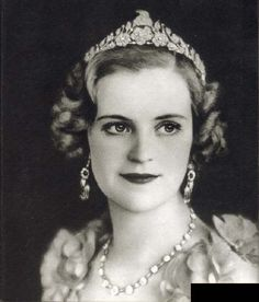Queen Geraldine of Albania wearing Skanderbeg Tiara