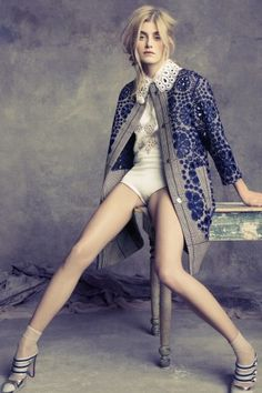 Blue print + Lace collar