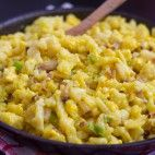 Vajcové nočky Macaroni And Cheese, Ale, Ethnic Recipes, Food, Mac And Cheese, Ale Beer, Essen, Meals, Yemek