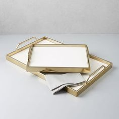 Kitchen Living Room west elm Enamel Cafe Trays - In white enamel and gold, this tray is a deco-inspired multi-tasker. It's a handy (and durable) serving platter for your favorite drinks or dishes. Coffee Table Tray, Coffee Table Styling, Decorating Coffee Tables, Living Room Flooring, Living Room Kitchen, Living Room Decor, Living Rooms, Kitchen Reno, Kitchen Stuff