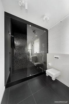 Łazienka z dużym prysznicem