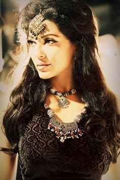 Parvathy Nair  D company    malayalam    malayalam actress    indian women    indian woman