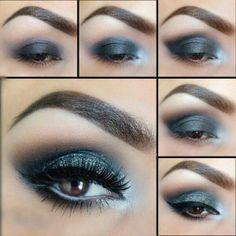 Maquillaje ahumado en tonos azules