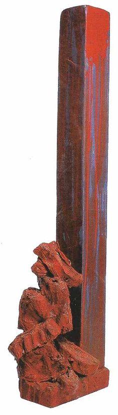 Sin título, 1985. Rollos de papel, 104 x 26 x 12 cm.