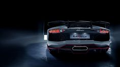 Special rear wing, different diffuser and clear carbon fiber finish on this Aventador LaMotta by RevoZport
