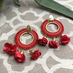 Coco Red Beaded Hoop Earring-Floral Tassel Hoop Earring  Shopmoniquelynn.com online accessory boutique  #statementearrings #shoptreasurejewels #festivalfashion #beadedjewelry #styleinspiration