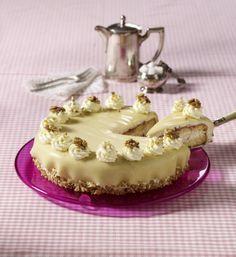 Unser beliebtes Rezept für Marzipan-Torte mit Nuss-Sahne und mehr als 55.000 weitere kostenlose Rezepte auf LECKER.de.