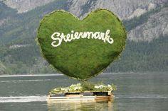 Das Grüne Herz beim Narzissenfest #Österreich #Steiermark #Austria Austria, Let's Have Fun, Topiary, History, Homeland, Painting, Image, Travel, Places To Visit
