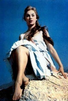 Greek Beauty, You Make Me Laugh, Vintage Makeup, I Laughed, Tv, Digital Art, Actresses, Actors, Fictional Characters