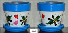 Kézzel festett, szivecskés-virágmintás agyagcserép