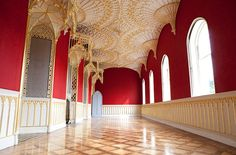Strawberry Hill - Horace Walpole's Gothic Castle in Twickenham (UK). Walked by this, didn't ever pay to go in. The formal rooms in the Uni looked like this though :) Victorian Gothic Wedding, Gothic House, Gothic Revival Architecture, Architecture Details, Strawberry Hill House, Gothic Castle, Innovative Architecture, Decorating Your Home, Restoration
