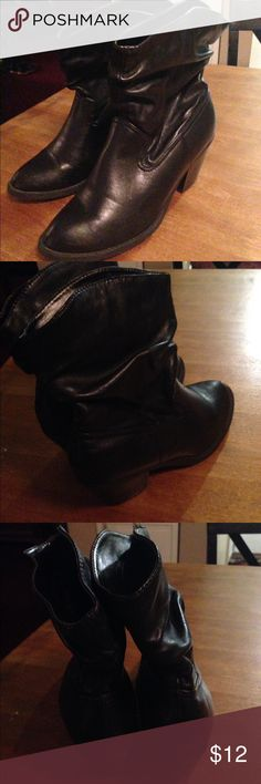 Size 7.5 Black American Eagle low boots Size 7.5 Black American Eagle low boots, with small heel. Very comfortable and worn a dozen times but still in very good condition, leather American Eagle Shoes Heeled Boots