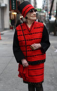 AGELESS STYLE: Zelda Kaplan, who appears in the blog Advanced Style, lived life stylishly to the end. She died this week while attending NY Fashion show (Feb 2012). What a role model!
