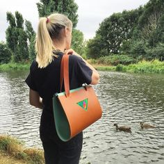 Been dreaming of the perfect bag? We're loving this bespoke shoulder bag designed specially for Daisy. Get in touch and we can create yours together! #custombag #carvcustom #leathertote #handbag #designerhandbag #carvlondon