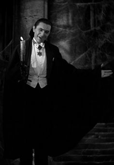 Dracula (1931) http://25.media.tumblr.com/294b7cc929aa0310668dee4c353a87c1/tumblr_mhie81WTlg1qzr8nao1_500.jpg