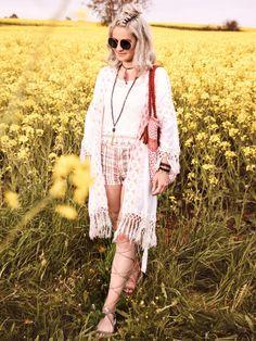 Hippie, Boho, Flower Power - der perfekte Look für ein Sommerfestival.