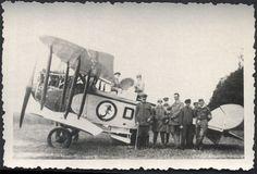 1WK-Flugzeug-Doppeldecker-mit-Geschwaderabzeichen