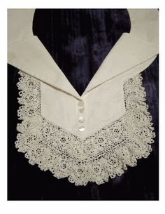 Charming VINTAGE IRISH Crochet Lace Collar - Jabot - Tiny Pearl Buttons - Crochet Roses