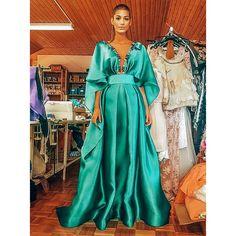Smaragdovozelená #emeraldgreen hodvábna nádhera👗 ....a krásna @jasmina_alagic ....inšpirujte sa jej lookom a touto úžasnou farbou, ktorej… Formal Dresses, Instagram, Fashion, Dresses For Formal, Moda, Formal Gowns, Fashion Styles, Formal Dress, Gowns
