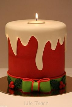 christmas candle cake - For all your cake decorating supplies, please visit… Christmas Cake Designs, Christmas Cake Decorations, Christmas Cupcakes, Christmas Sweets, Holiday Cakes, Christmas Candles, Noel Christmas, Christmas Baking, Modern Christmas