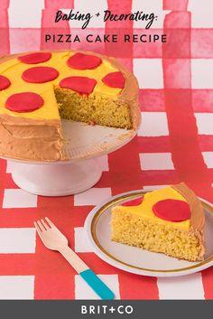 Can't decide between pizza and cake for your next party? This Pizza Cake looks like a pizza while tasting like your favorite flavor of cake. It'll be sure to be a hit at your next event. Pizza Cupcakes, Pizza Cake, Dessert Pizza, How To Make Pizza, How To Make Cake, Cupcake Recipes, Dessert Recipes, Desserts, Pizza Party Birthday