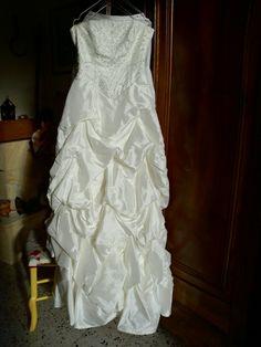 Robe de mariée avec son corsage et jupon d'occasion à Orange