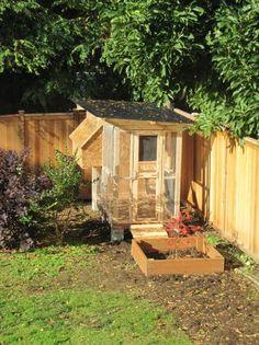 Pin By Julie Steigerwalt On Coops Other Garden Structures Garden Structures Outdoor Structures Garden