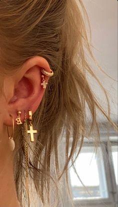 Nail Jewelry, Cute Jewelry, Jewelry Accessories, Pretty Ear Piercings, Ear Peircings, Accesorios Casual, Cute Earrings, Drop Earrings, Gold Earrings