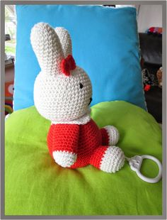 Zelfgemaakt ! haakwerkjes en meer...: Patroon Nijn Crochet Baby Toys, Crochet For Kids, Crochet Animals, Crochet Children, Baby First Halloween, Crochet Patron, Crochet Elephant, Baby Art, Loom Knitting